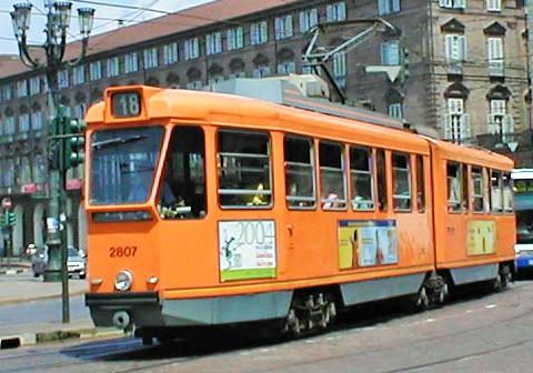 convoglio tranviario della linea 18 (foto del 2004)