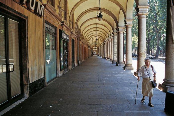 Torino cerca sponsor per sostenere il decoro di facciate e for Foto di portici per case